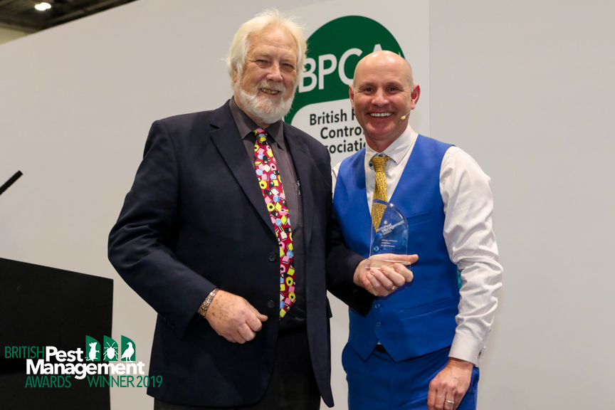 Dr Jonathan Wade, with BPMA event host, the TV wildlife presenter Mike Dilger.
